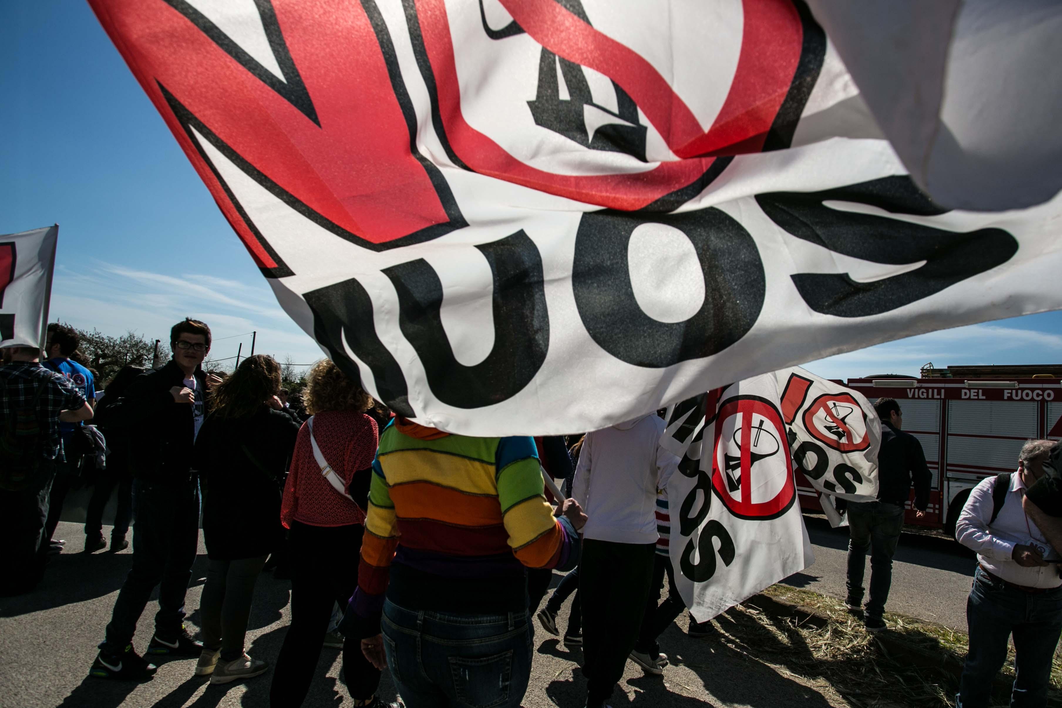 15 Maggio: NO MUOS in piazza contro la schiavitù della Sicilia