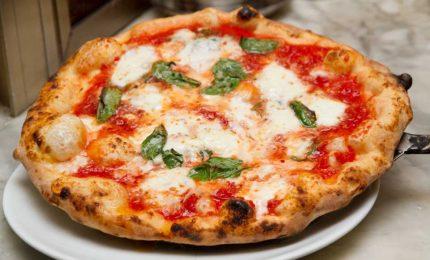 E' 'giallo' sulla Giunta Crocetta convocata ieri sera in una nota pizzeria di Palermo...