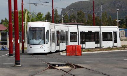 Tram di Palermo: perché questa fretta? Sullo sfondo, un'inchiesta giudiziaria. E la revoca dei fondi europei