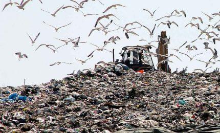 Inchiesta su affari & rifiuti in Sicilia/ La Regione si accinge a fare 'cassa' scaricando i propri errori su famiglie e imprese. Gli imbrogli di Palermo