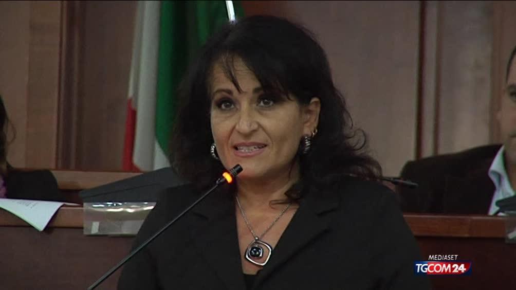 Il 'caso' della sindaca di Quarto, Rosa Capuozzo ma  ~ Quarto Rosa Capuozzo
