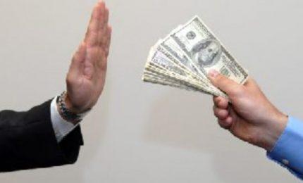 C'è una piaga che dilaga in Sicilia: la corruzione. Aiutateci a debellarla!