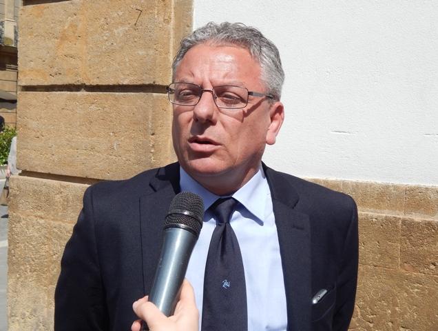 """La rabbia dei Sindaci siciliani: """"Comanda Crocetta o Baccei? Governo e Ars non sono più credibili"""""""