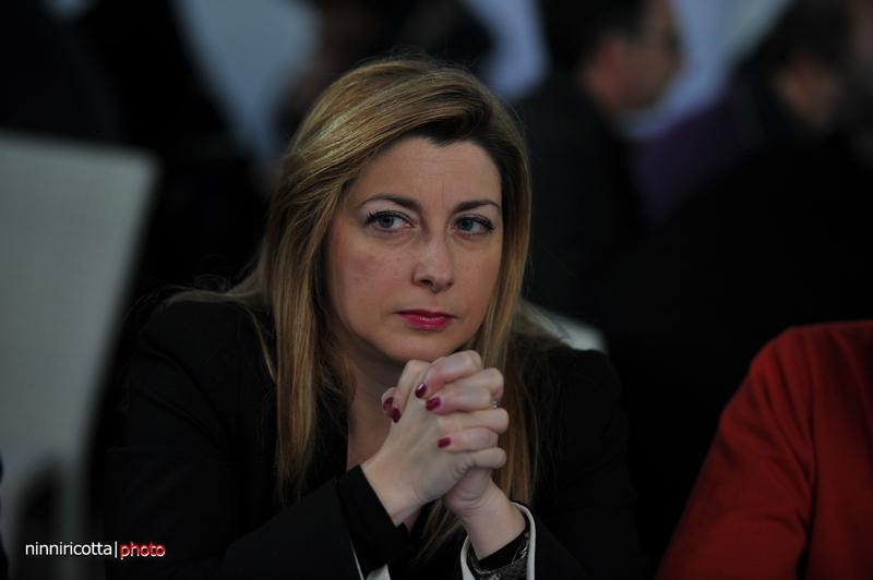 Rifiuti & affari (inceneritori): i dubbi di Mariella Maggio e l'attacco dei grillini all'assessore Contraffatto