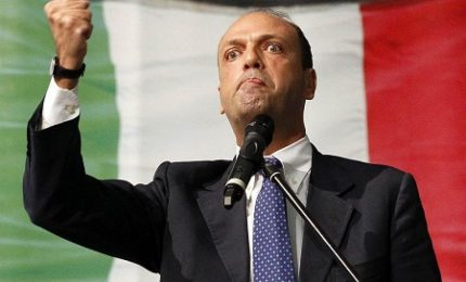 """Salviamo la lingua 5: """"I requisiti per essere espulso"""" trovati dal ministro Alfano"""