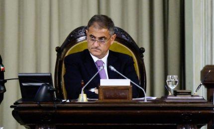 Presidente Ardizzone, si ricordi che sugli enti locali la Sicilia ha competenza esclusiva