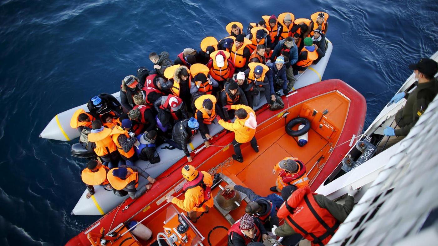 Migranti, l'Italia alla vigilia di una nuova emergenza in una Europa che non c'è
