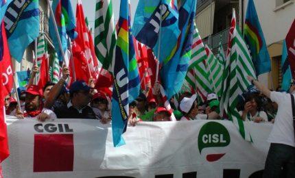 Sciopero a Palermo: stamattina CGIL, CISL e UIL hanno fatto finta di essere contro Renzi e Crocetta...
