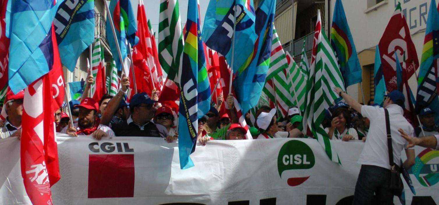 Sciopero a Palermo: stamattina CGIL, CISL e UIL hanno fatto finta di essere contro Renzi e Crocetta…