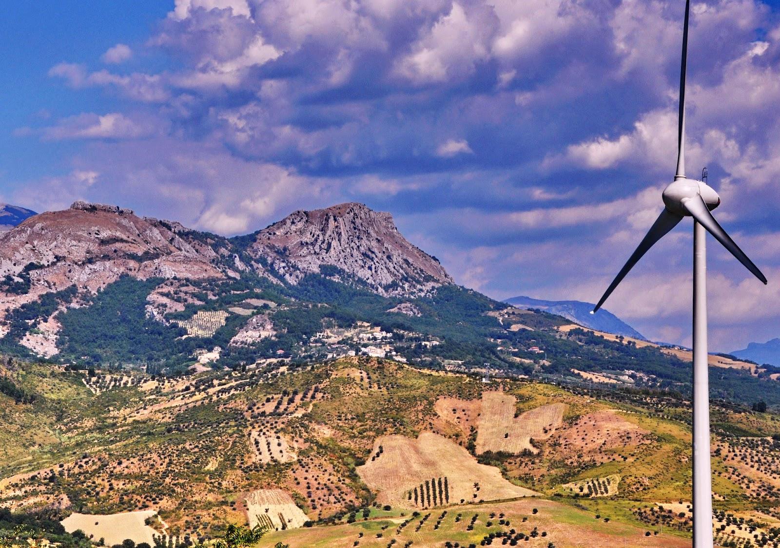 Pale eoliche in Sicilia: rischio di caos e di contenziosi contro la Regione