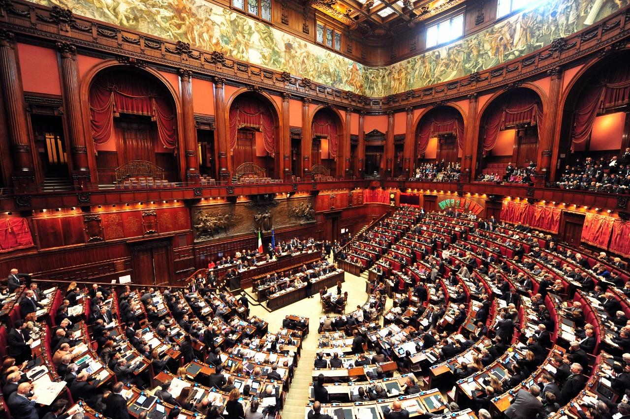 Vitalizi, la differenza tra informazione e Giletti: 2000 ex senatori e deputati lo intascano in silenzio