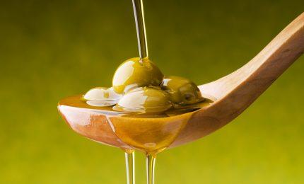 Olio ex vergine d'oliva: grazie al Parlamento di 'nominati' venderanno il prodotto vecchio di tre-quattro anni!