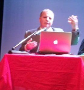 Il prof Massimo Costa-leader di Siciliani Liberi-al convegno 'Liberiamo la Sicilia'- teatro Jolly. Palermo 15 Ottobre