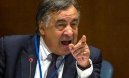 Leoluca Orlando: se a Palermo sta provando a 'pelare' i cittadini (ZTL) cosa combinerebbe da presidente della Regione?