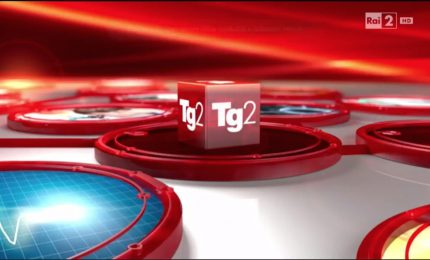 Al TG 2 Renzi attacca la Corte Costituzionale. E questo sarebbe il servizio televisivo pubblico?