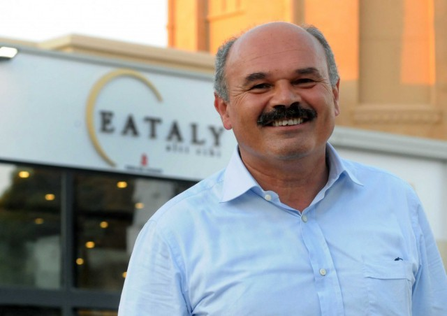 Oscar Farinetti dà lezioni di politica ai Siciliani: senti un po' da quale pulpito….