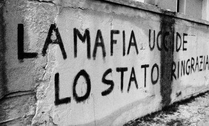La trattativa tra Stato e mafia comincia nel 1860, con Garibaldi in combutta con mafia e camorra