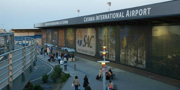 """""""Giù le mani dall'aeroporto di Catania"""": il nuovo numero del foglio di TerraeLiberazione"""