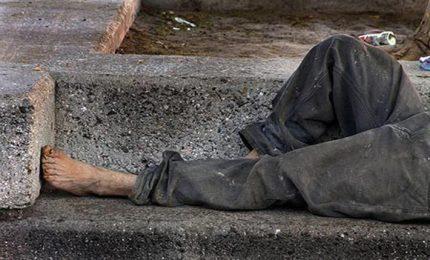 Sei povero e senza casa? Diventi un fantasma: perdi la cittadinanza e non voti. Succede a Palermo...