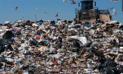 Inchiesta sui rifiuti in Sicilia: di disastro in disastro mentre arriva l'estate e sarà, ancora una volta, emergenza
