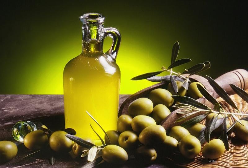 Perché per i Siciliani è importante acquistare l'olio d'oliva extra vergine dagli stessi produttori siciliani