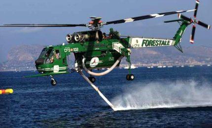 Incendi: dal caos in Sicilia ai 28 elicotteri su 32 bloccati da Roma con la riforma Madia