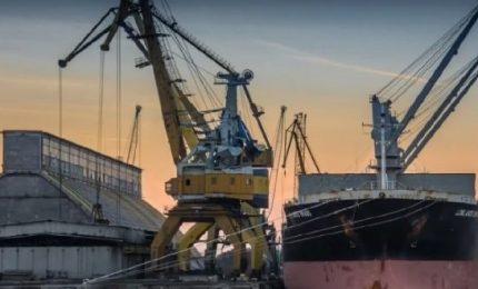 Da quattro giorni a Pozzallo una nave scarica grano duro canadese che finisce a Castel di Iudica
