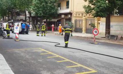 Palermo: e scava, scava scava e, alla fine, hanno rotto un tubo e il gas stava mandando all'altro mondo sette persone!