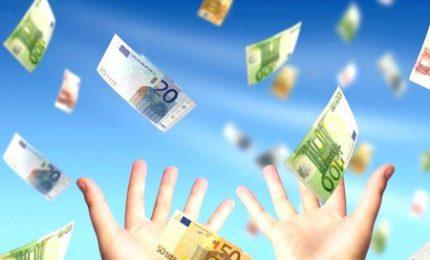 Come buttare i soldi dei palermitani: un milione di euro all'anno per portare in giro le bucce della frutta!