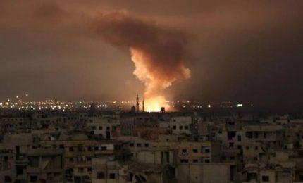 Nel nome della 'pace' USA, Francia e Regno Unito da stanotte bombardano la Siria