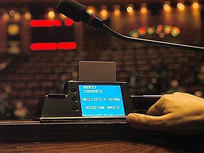 Ars, ore 13 e 05: spuntano 73 voti. Ma i deputati di Sala d'Ercole non sono 70?
