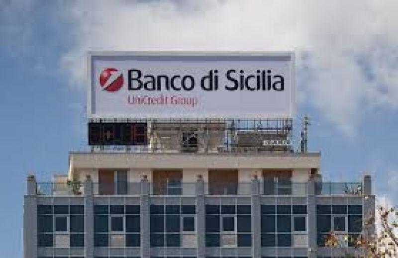 Unicredit in Sicilia: e così dieci assunzioni estive per tre mesi diventarono una notizia…