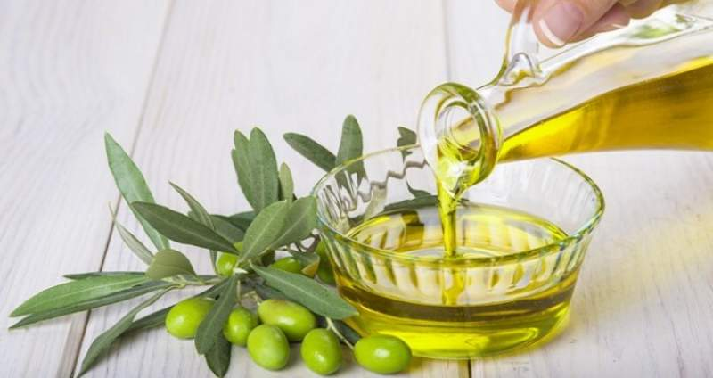 La grande truffa dell'olio d'oliva miscelato: ecco come funziona