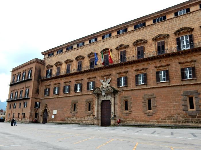 Sicilia in crisi: rifiuti, ex Pip e i licenziati dall'Opera Pia 'Cardinale Ernesto Ruffini' di Palermo