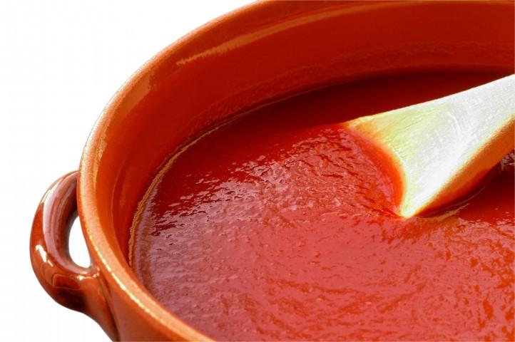 Si può vendere la confezione di passata di pomodoro di oltre mezzo litro a meno di 0,40 euro?