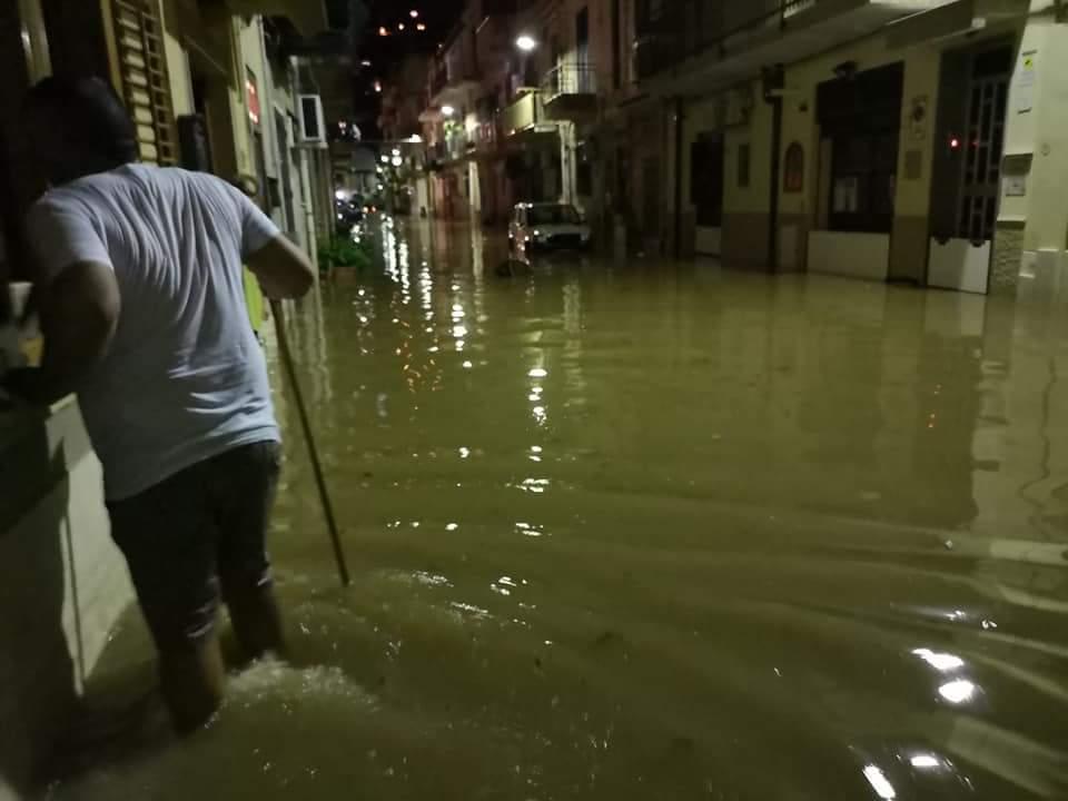 Palermo, il Tram a Mondello che si allaga ad ogni pioggia?