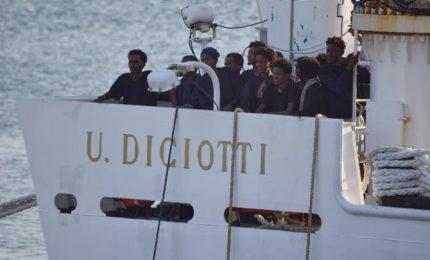 La nave 'Diciotti' e l'Europa dei pescecani: Salvini sa qualcosa che noi non sappiamo?/ MATTINALE 143