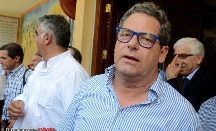 Le due poltrone di Gianfranco Miccichè: presidente dell'Ars ed europarlamentare...