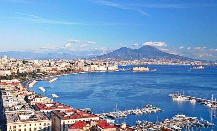 """De Magistris sfida Salvini: """"Autonomia al Sud, a partire da Napoli"""""""