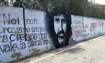 Trent'anni fa la mafia uccideva Mauro Rostagno. La sua vita, da 'Lotta Continua' fino alla Saman di Trapani