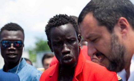 Il 'caso Diciotti' e gli eritrei spariti: la Chiesa consente a Salvini di non andare a sbattere/ MATTINALE 124