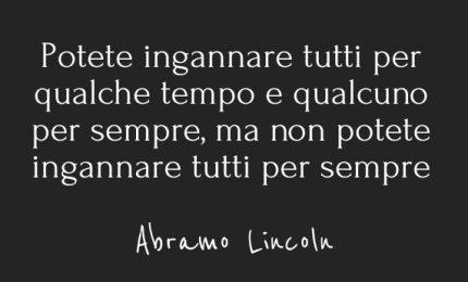 Matteo Salvini e Leoluca Orlando: i migranti per nascondere le rispettive magagne (e intanto Mondello affonda)
