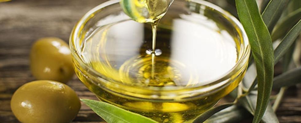 Olio d'oliva extra vergine di Puglia, Calabria e Sicilia: chi lo vende sotto gli 8-10 euro/litro vi prende in giro