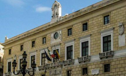 Comune di Palermo: soldi non ce ne sono più, ma Leoluca Orlando non vuole mollare 'l'osso'