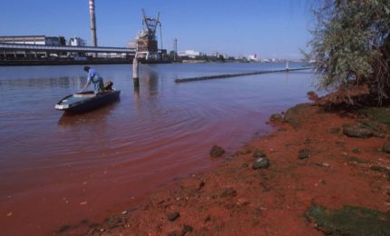 Catania e l'inquinamento da ONg: ma ci sono anche le navi da crociera e i petrolchimici