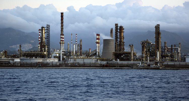Dalla colletta per l'Irap alle acciaierie e alle raffinerie che inquinano/ MATTINALE 179