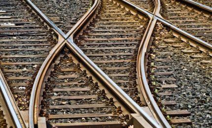 La minoranza di Torino vuole la TAV, la maggioranza del Sud con i treni-delirio/ MATTINALE 190