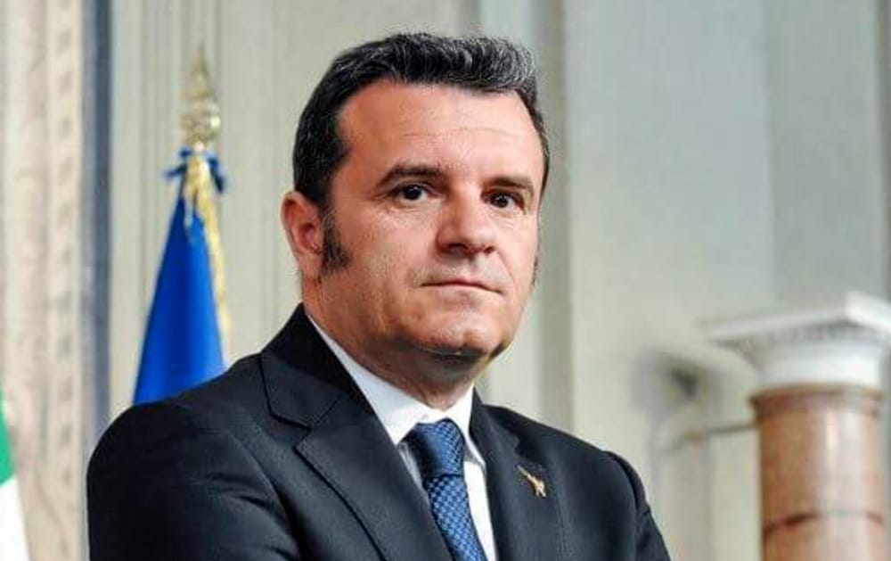 Il Ministro leghista Centinaio a Palermo. Per parlare di Agricoltura? No…