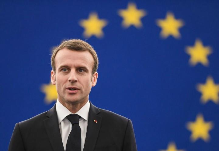 Deficit: l'Italia deve stare sotto il 2,2%, la Francia può sforare il 3%. Ma come funziona 'sta UE?