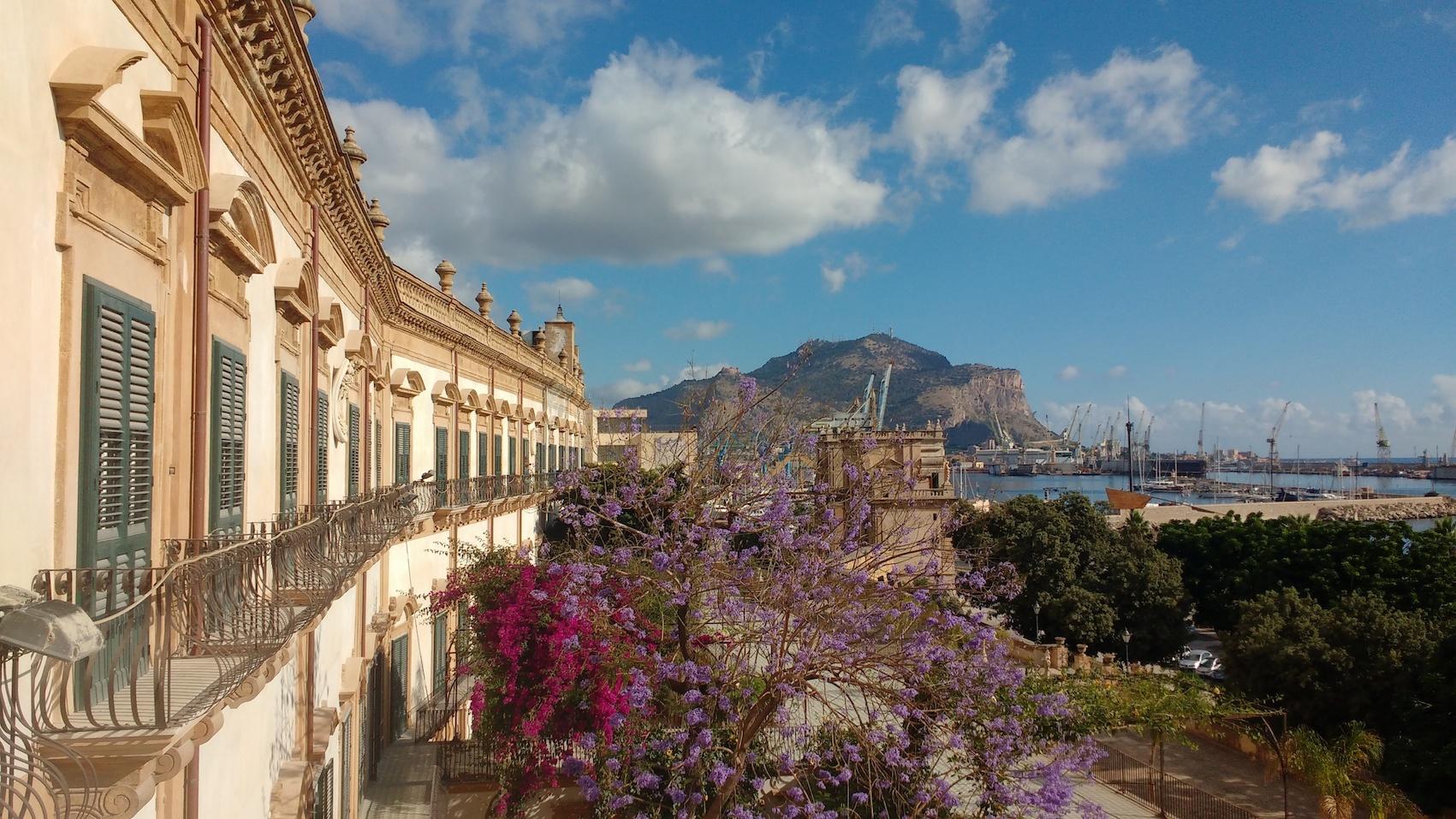 Palermo, una proposta per ricostruire una città oggi ridotta ai minimi termini
